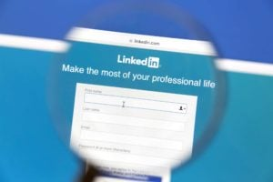 """Make a magnetic Linkedin Profile"" Video Course"